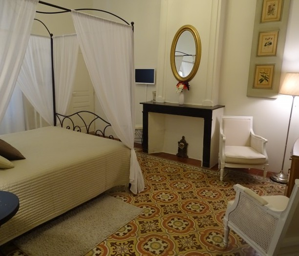 bedroom b&b charm bathroom beaches sea south of france