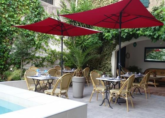 chambres charme piscine Montagnac Sète Pézenas Etang de Thau petit déjeuner